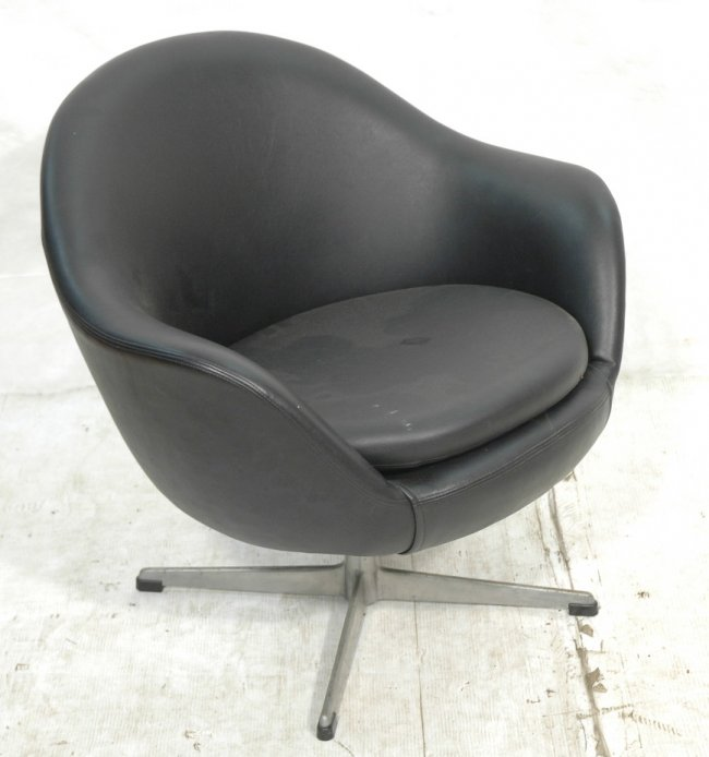 Overman Lounge Chair