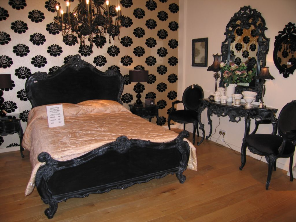 Antique black bedroom furniture