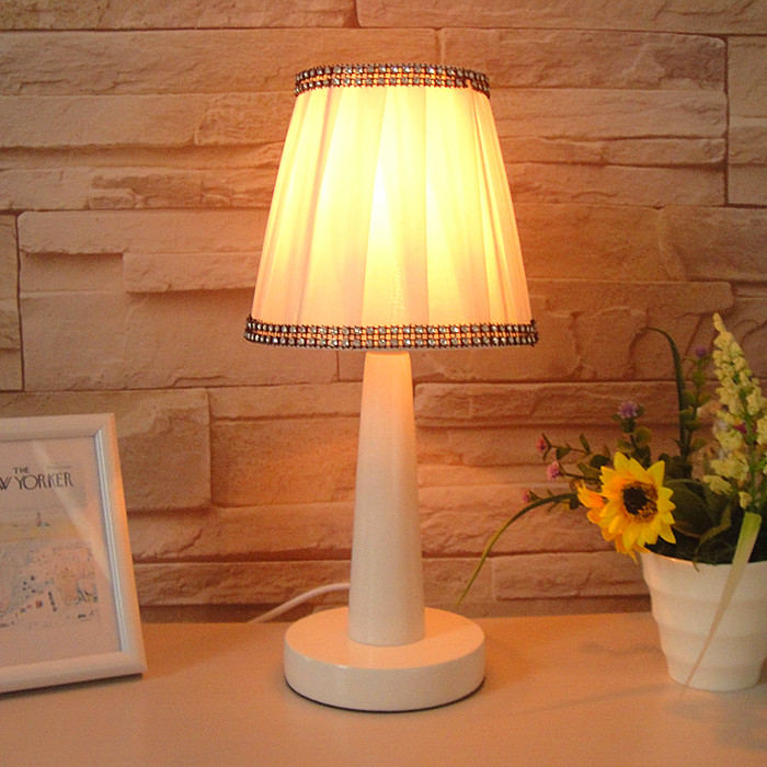 Bedroom desk lamp