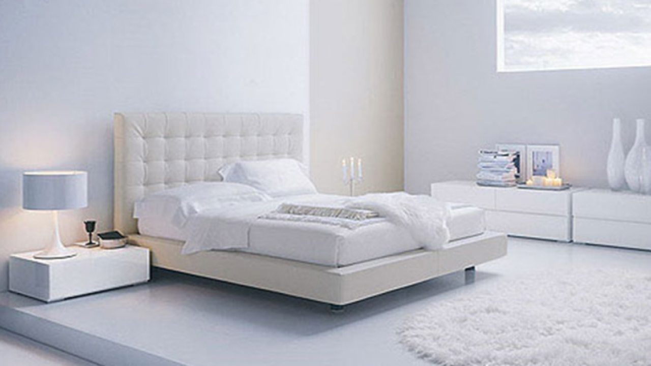Bedroom white furniture decorating