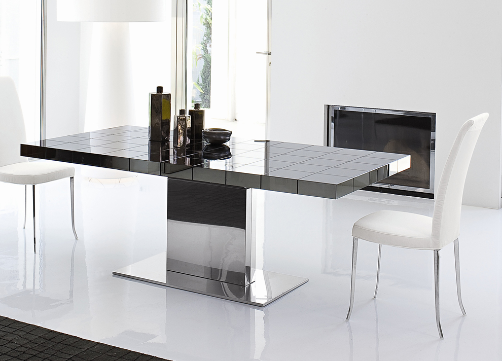 Dining tables uk