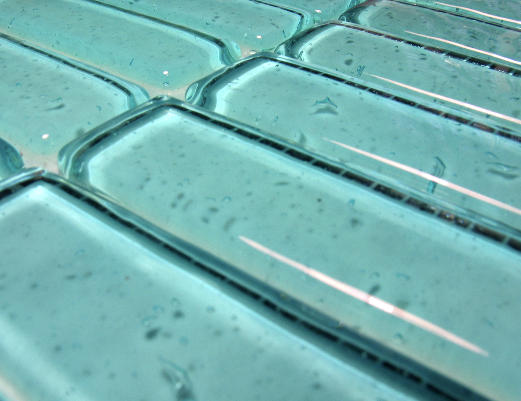 Italian glass bathroom tile