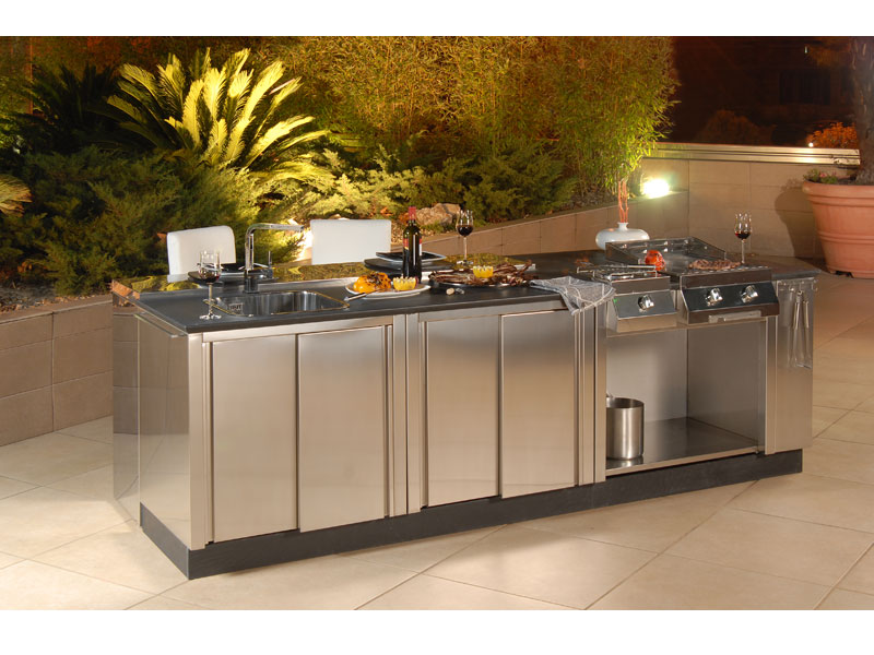 Outdoor kitchen units
