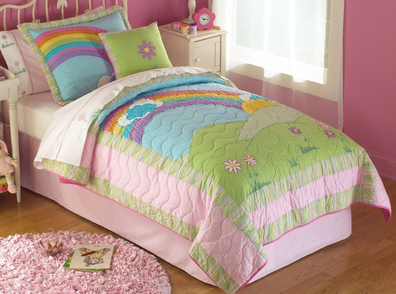 Rainbow bedding for kids