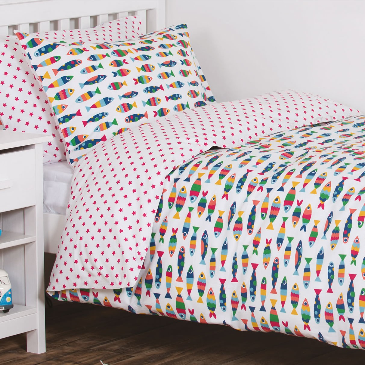 Rainbow cot bedding