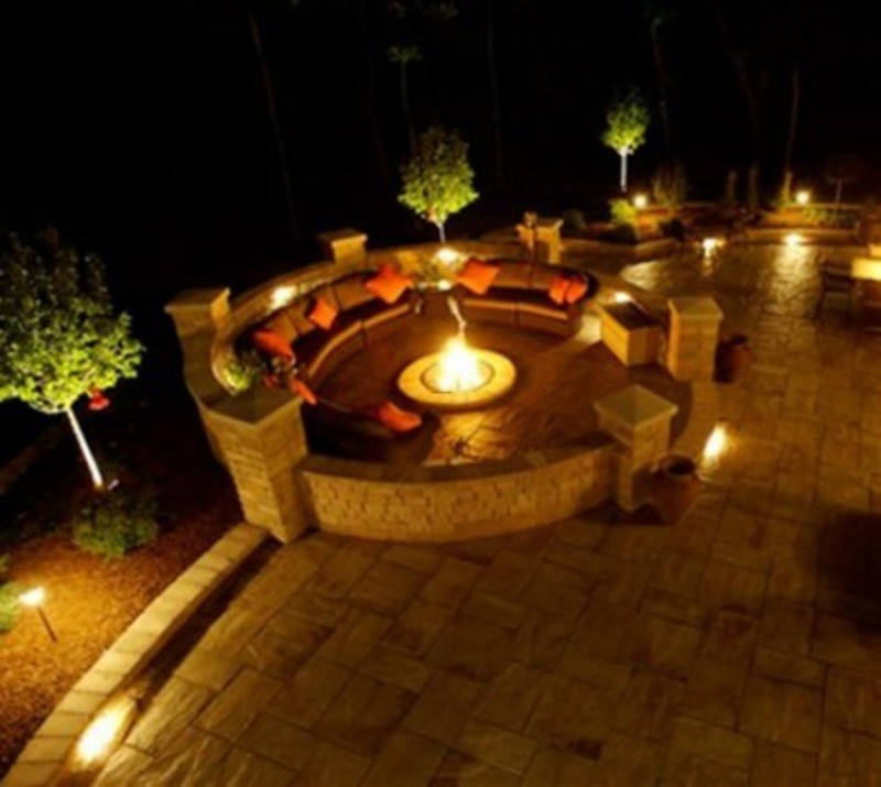 Tropical outdoor wall lighting