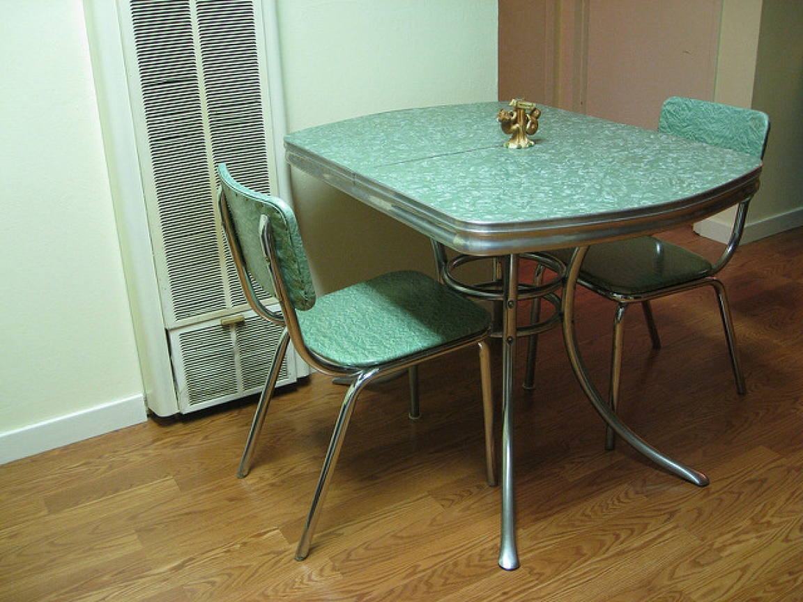 Vintage kitchen table formica