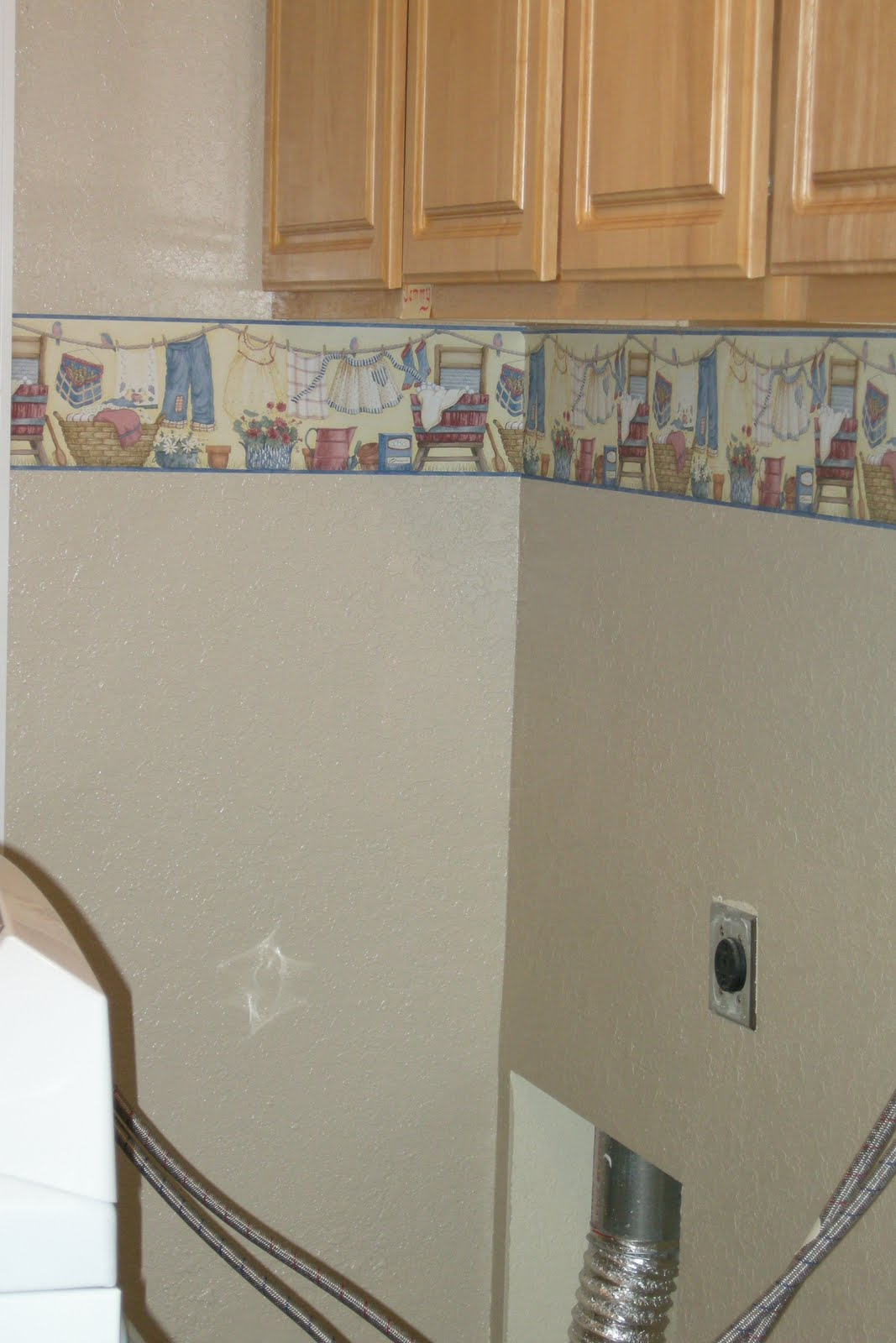 Vintage laundry room wallpaper border