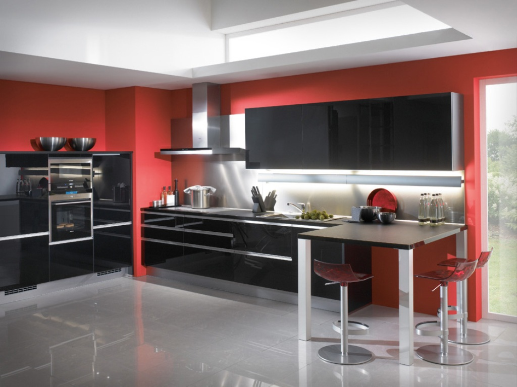 Black and Red Modern Kitchen – Brooklyn Apartment