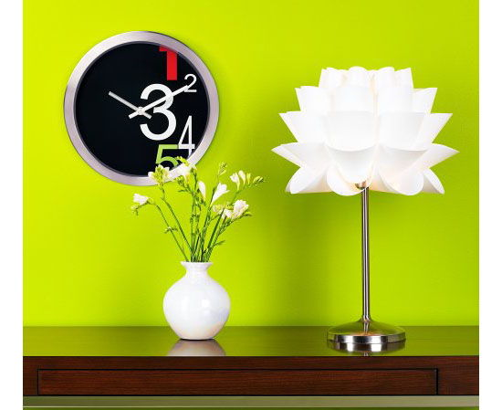 Charming White Flower Table Lamp Design photo - 7