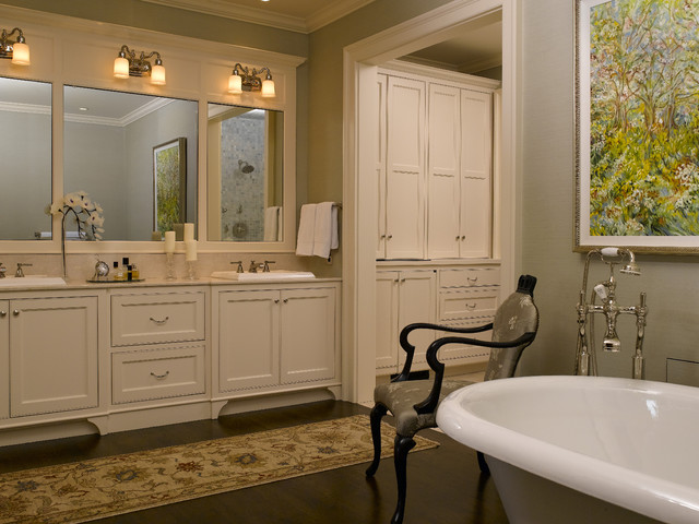 Classic Style Bathroom Design photo - 2