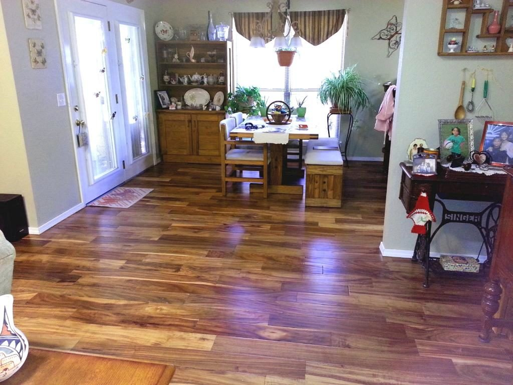 Elaborate Flooring Dining Room photo - 8