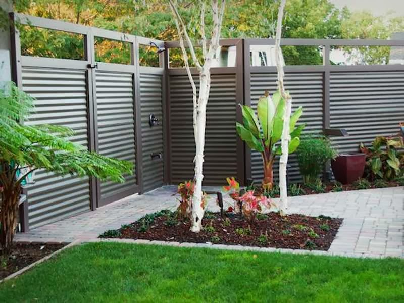 Foolproof Designs and Privacy Fence Types For Your Updated Home photo - 10
