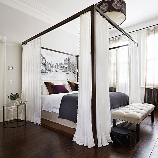 Four Poster Bed White Room photo - 4