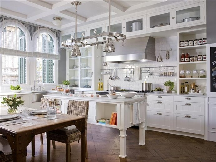 High Ceiling Kitchen photo - 6