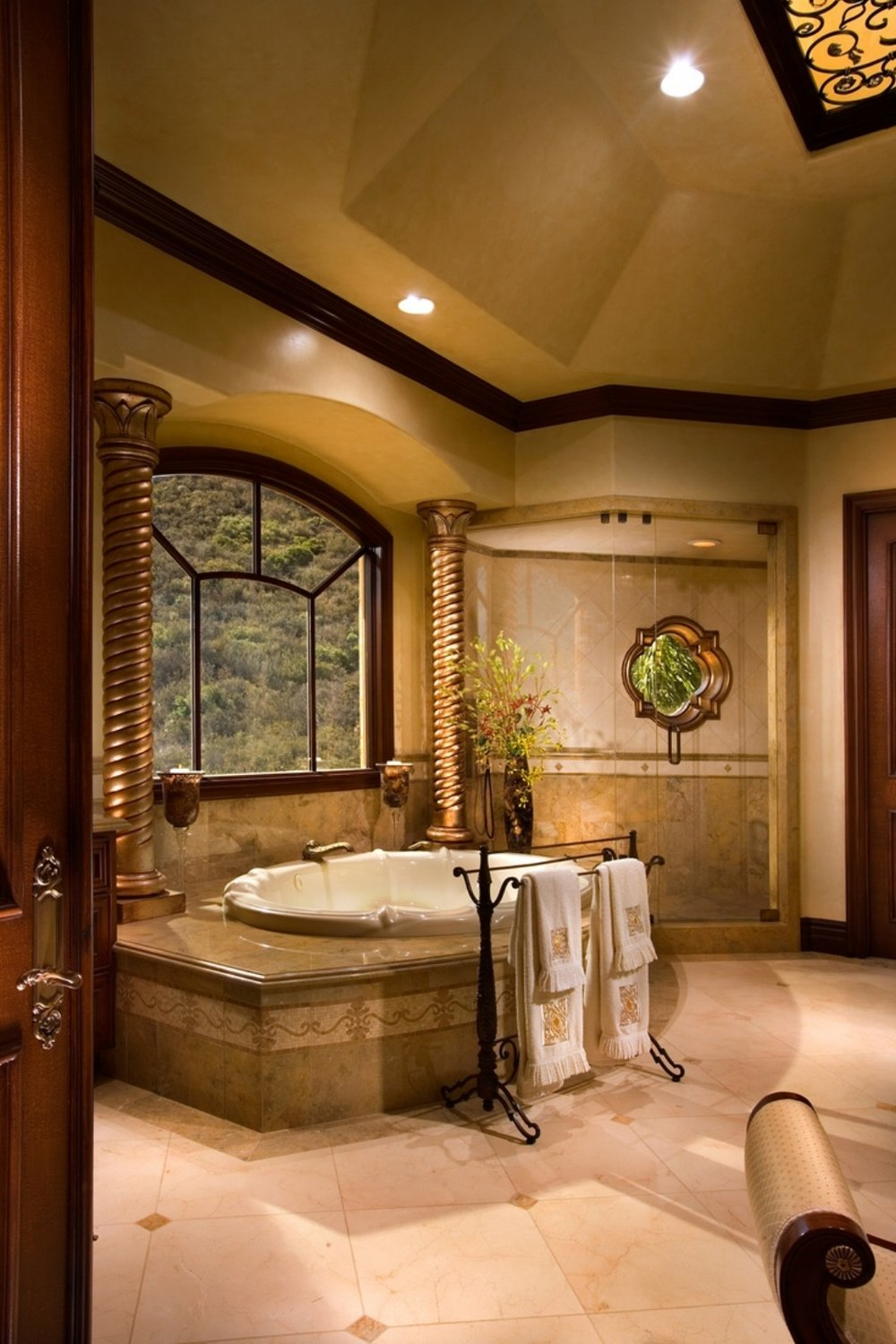 Luxurious Bathroom Design photo - 8