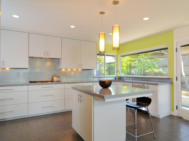 Modern Kitchen with Green Accent photo - 5