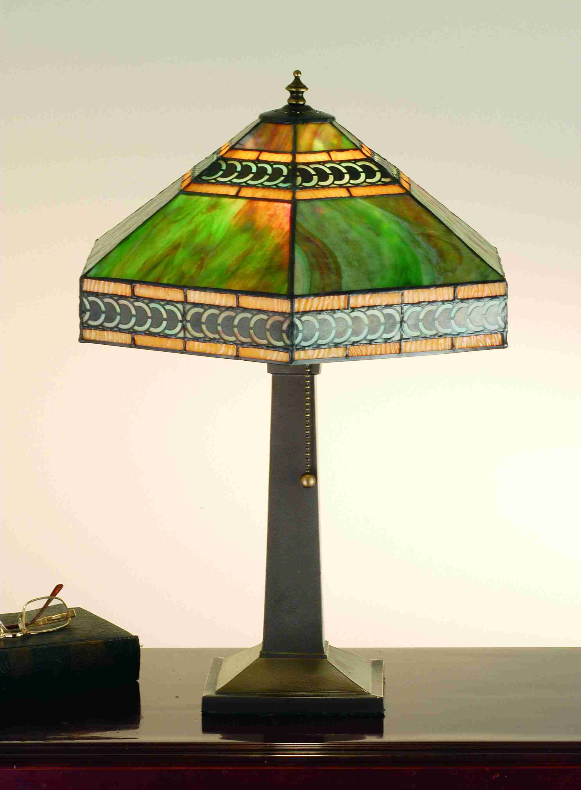 Red Rose Stained Glass Table Lamp Shades photo - 5