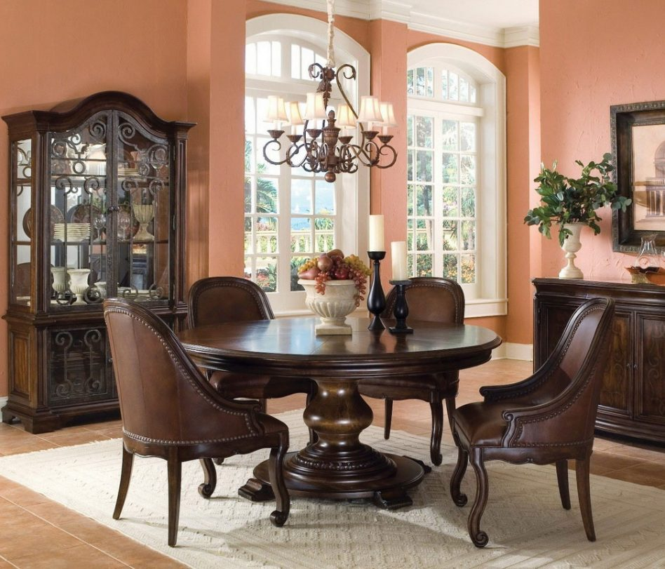 Small Circle Dining Room Table photo - 5