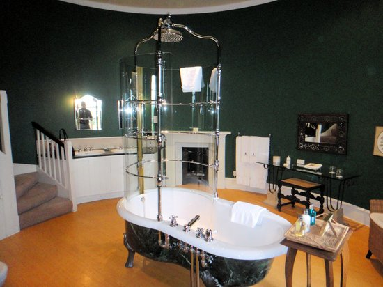 Swinton Park Turret Bathroom photo - 3