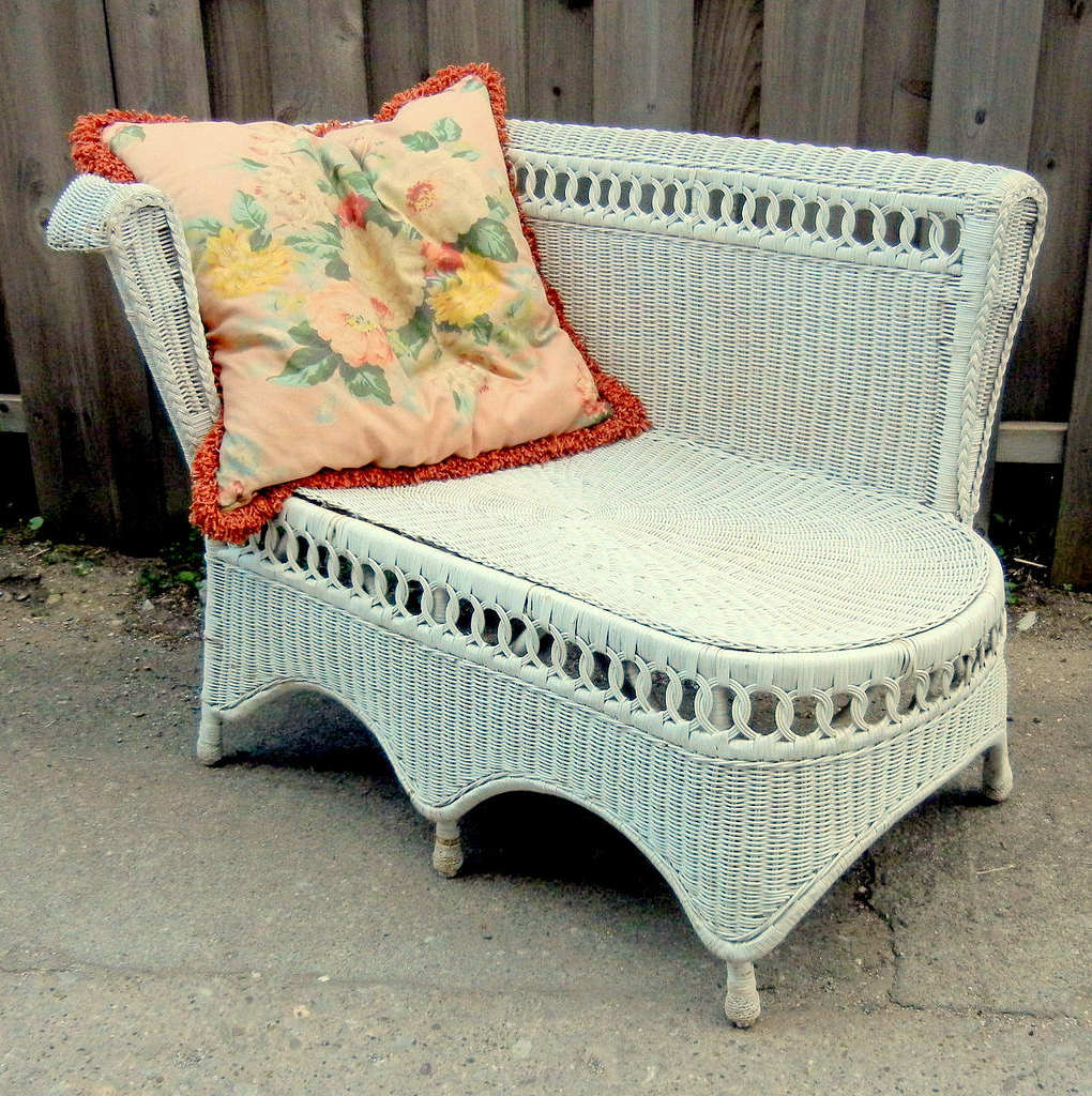 Vintage 1940s Wicker Chaise photo - 1