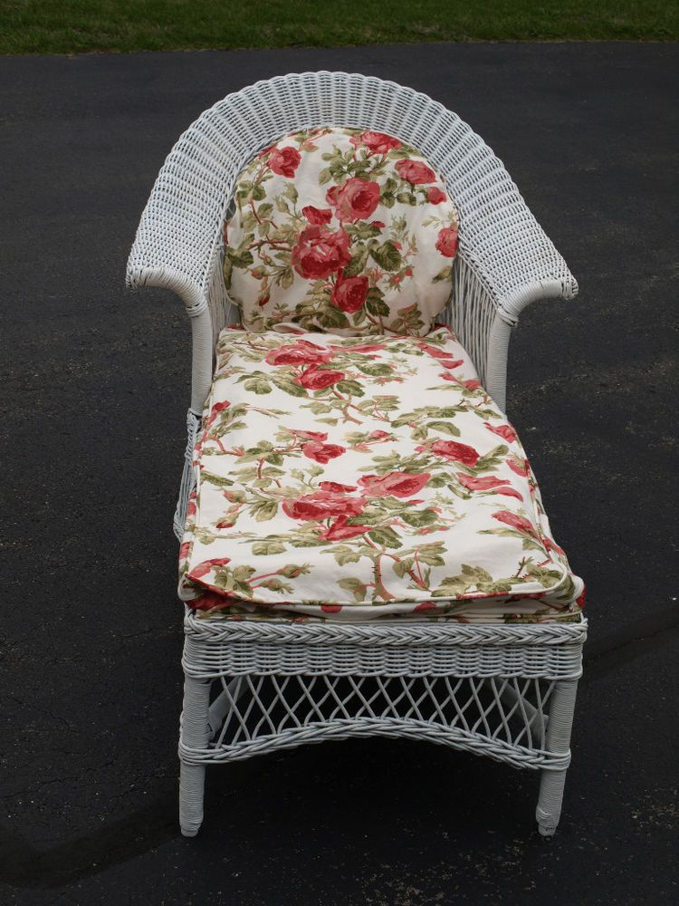 Vintage 1940s Wicker Chaise photo - 10