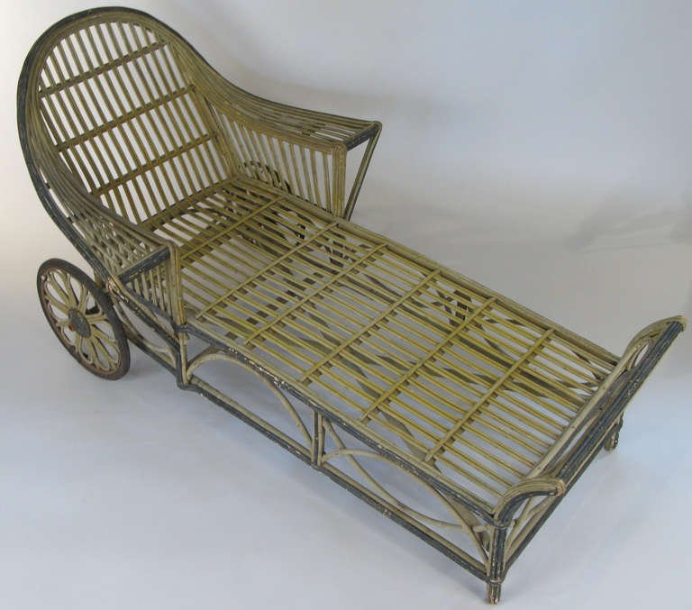 Vintage 1940s Wicker Chaise photo - 4