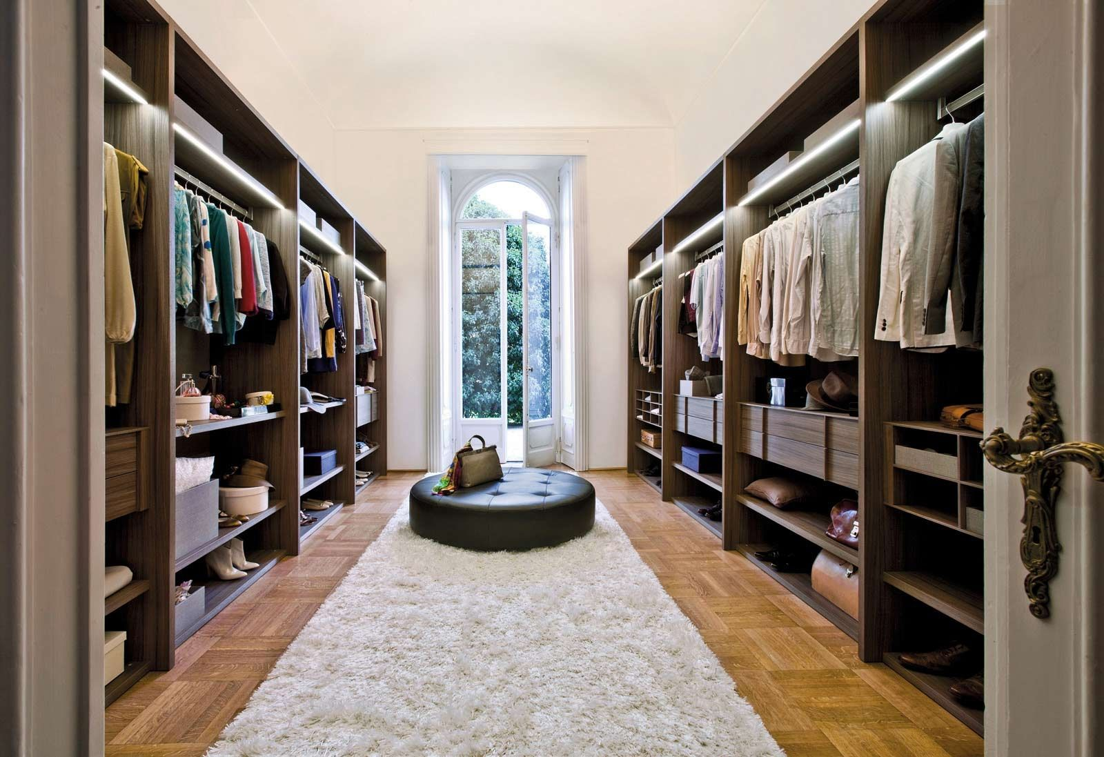 affordable walk in closet design photo - 5