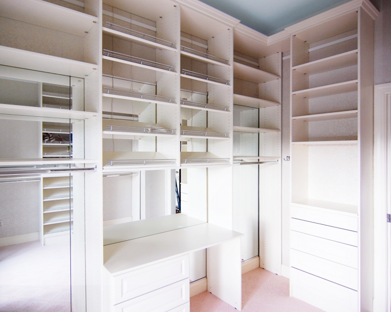 affordable walk in closet design photo - 6