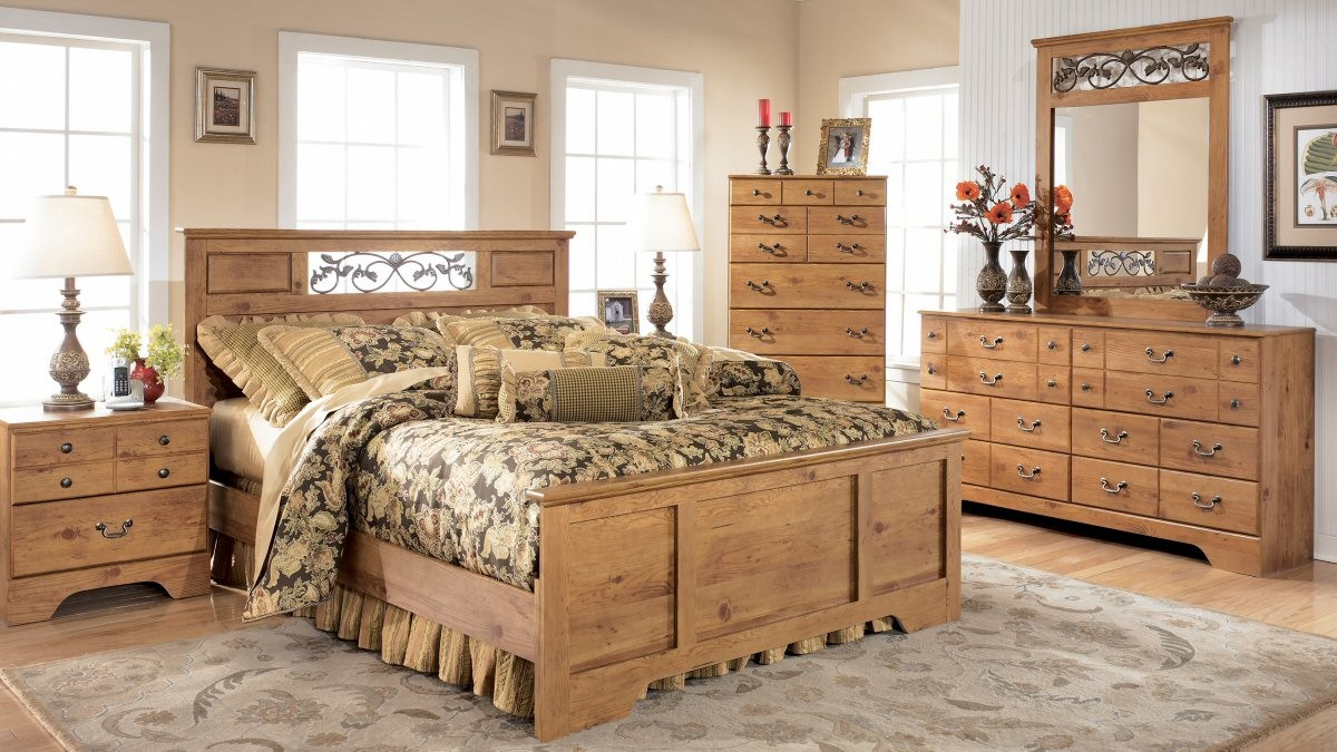 bedroom ideas with pine furniture photo - 9