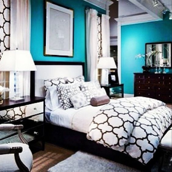 black and white bedrooms with blue accents photo - 8