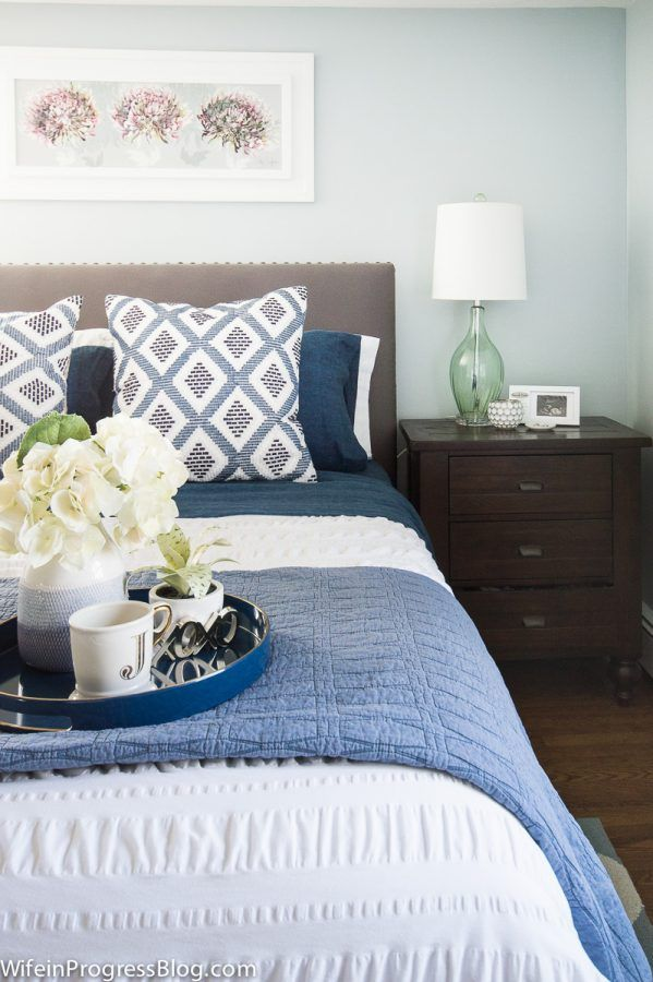 blue and white bedroom accessories photo - 10