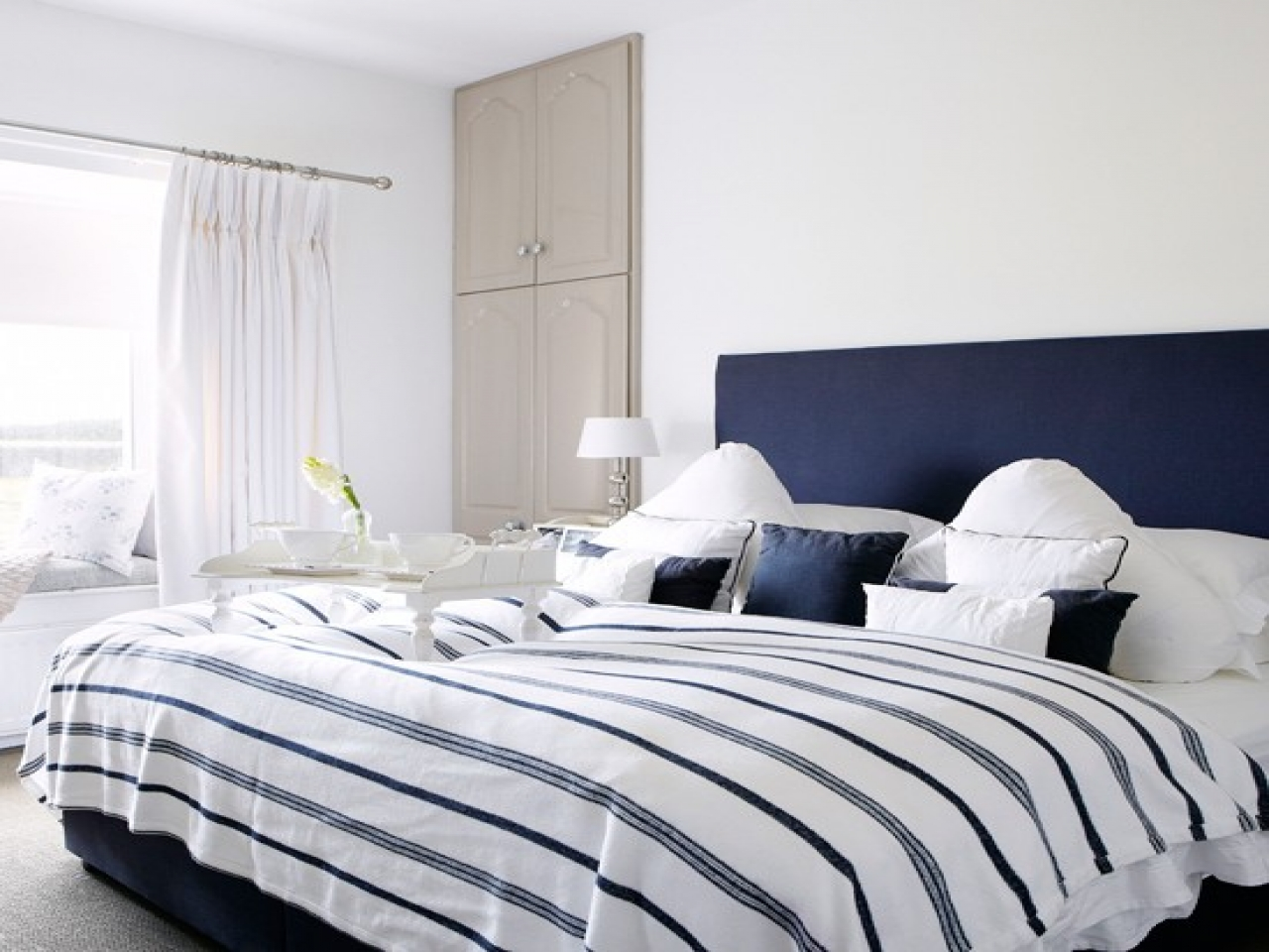 blue and white bedrooms ideas photo - 9