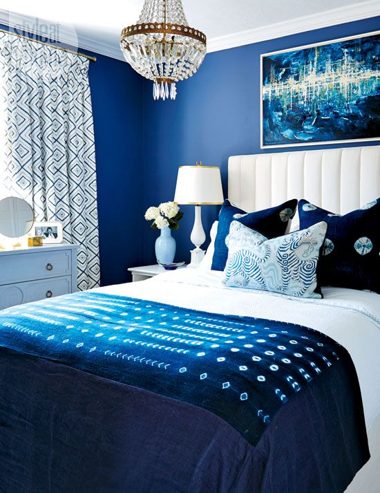 blue and white contemporary bedroom ideas photo - 4
