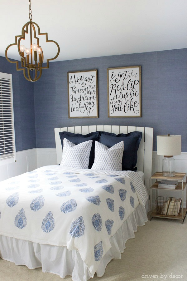 blue and white contemporary bedroom ideas photo - 9
