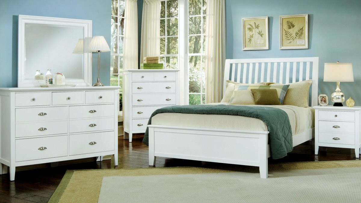 boys room with white furniture photo - 8