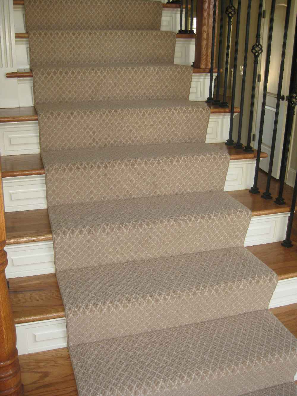 carpet runner for stairs photo - 1