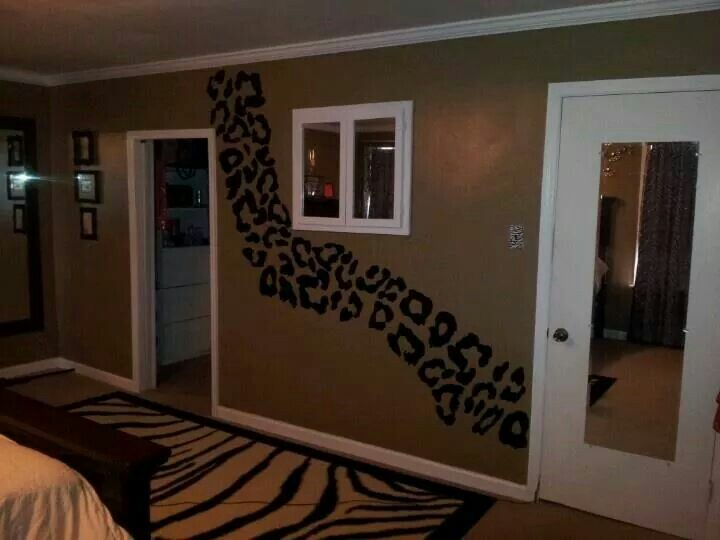cheetah print bedroom walls photo - 7