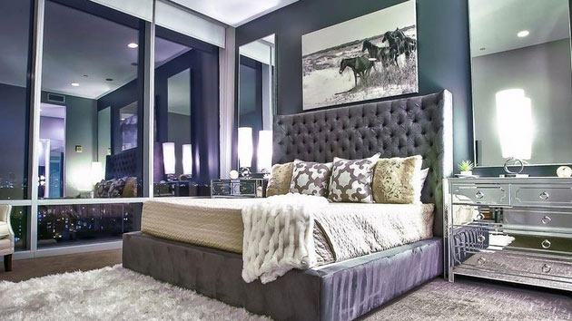decorating with mirrored bedroom furniture photo - 4
