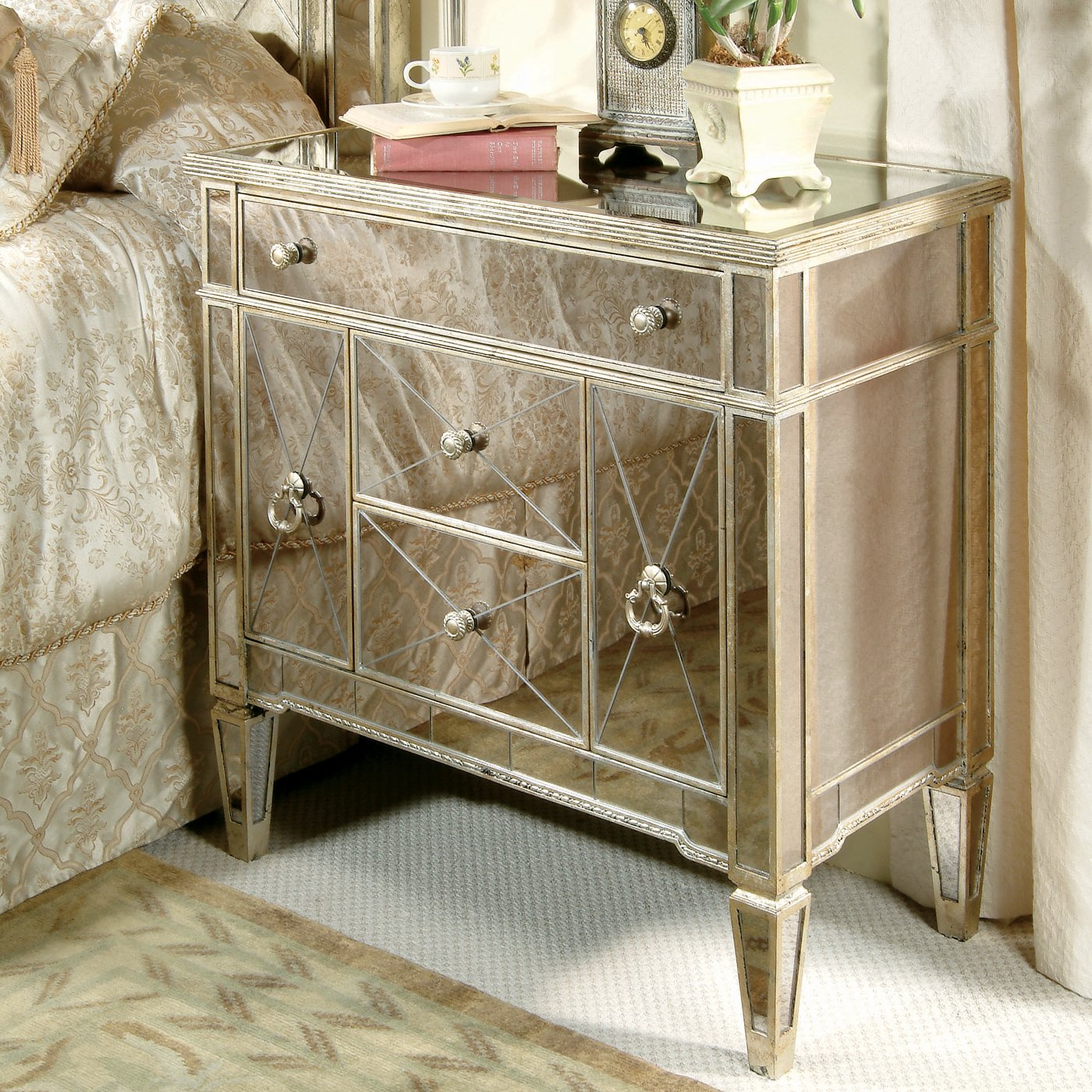 decorating with mirrored bedroom furniture photo - 5