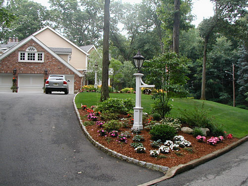 driveway entrance garden ideas photo - 5
