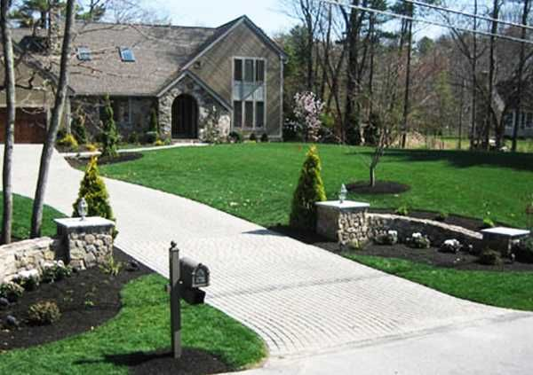 driveway entrance garden ideas photo - 9