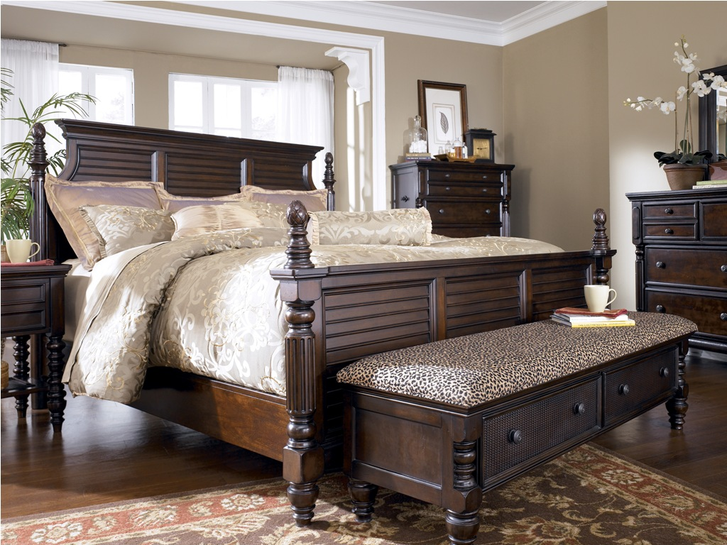 elegant traditional bedroom furniture photo - 2