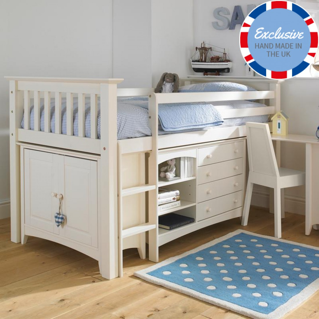 Picture of: Fancy Bedroom Furniture For Kids Brooklyn Apartment
