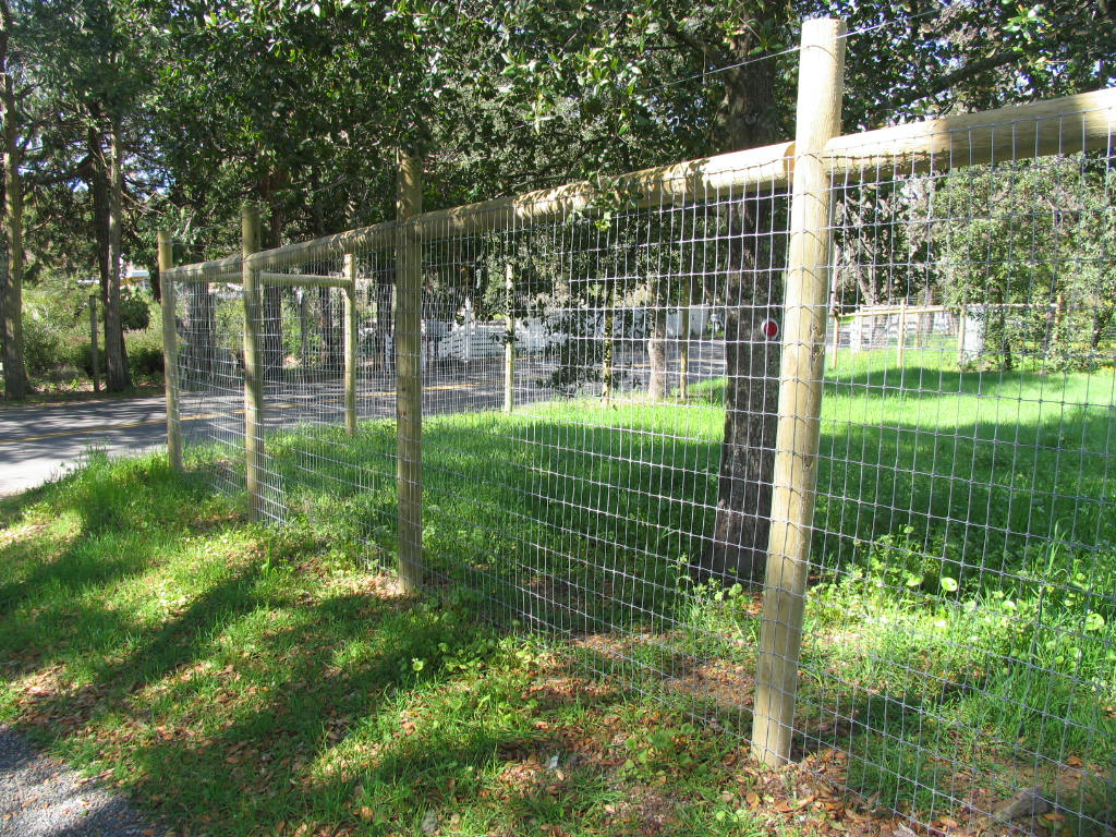fencing ideas to keep deer out photo - 6
