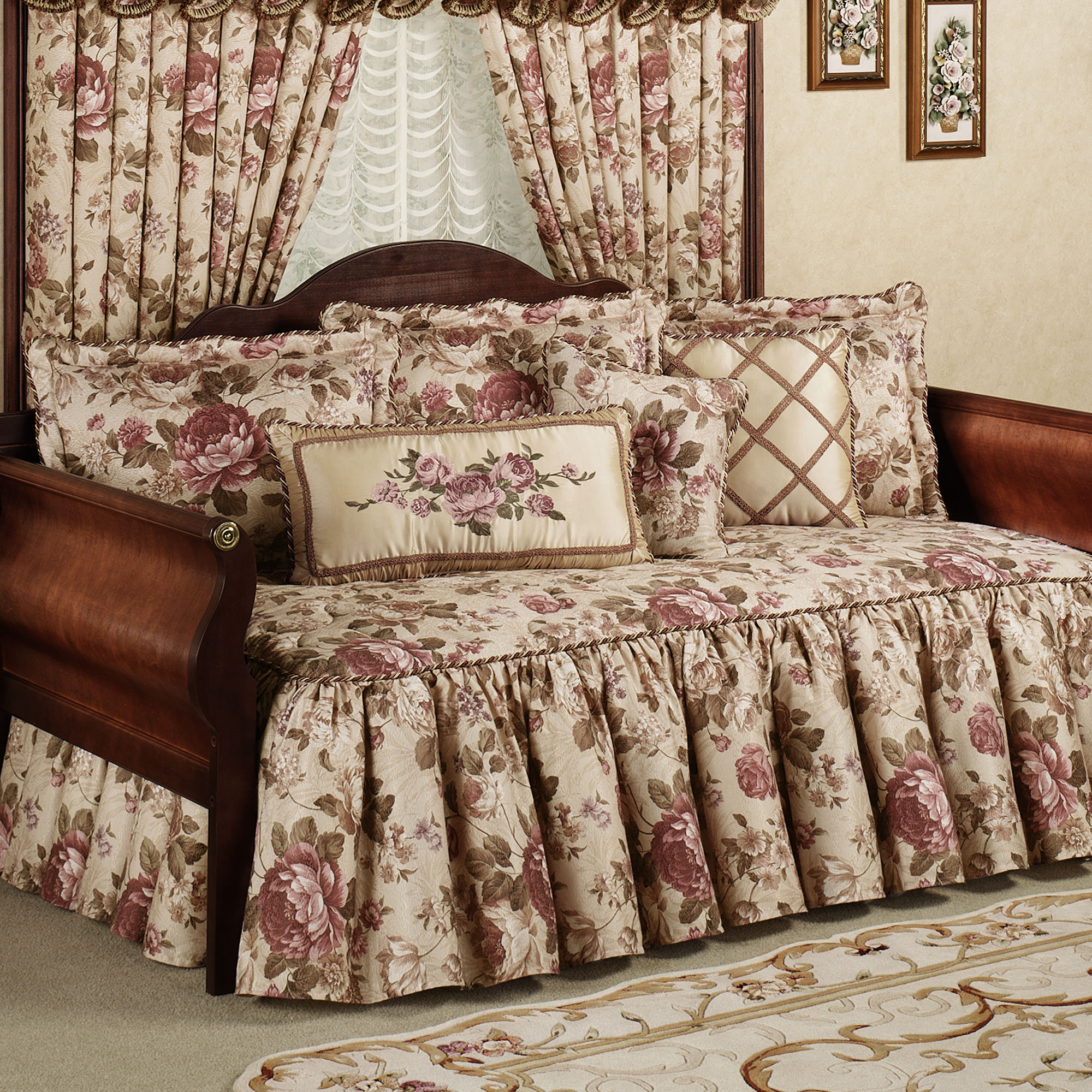 - Floral Daybed Bedding Sets – Brooklyn Apartment