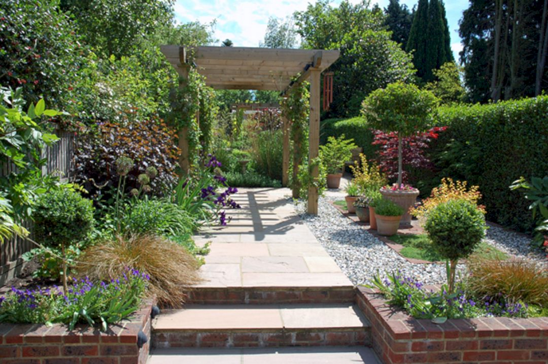 garden design ideas for long thin gardens photo - 9