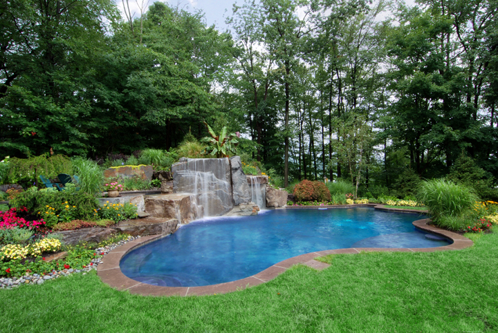 garden design ideas with pool photo - 9