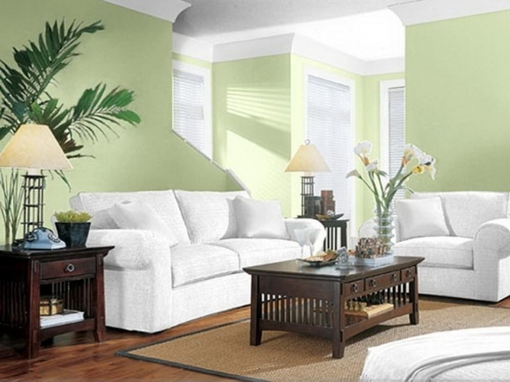 green room with white furniture photo - 3