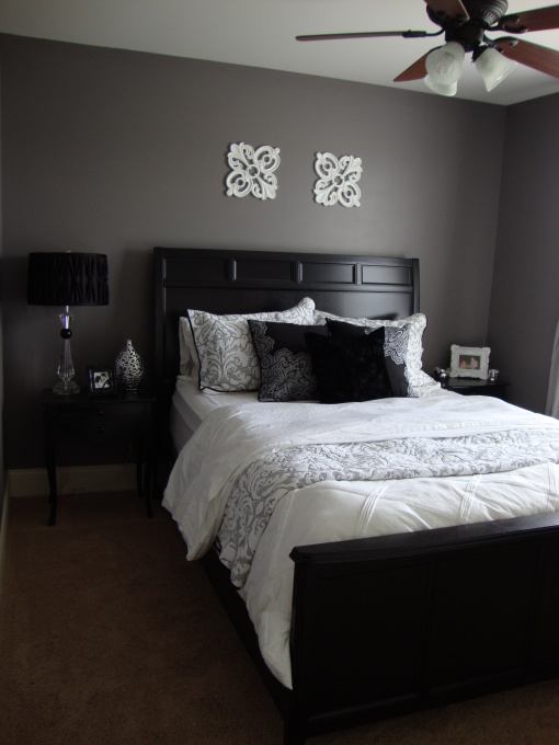 grey and black bedroom design photo - 8